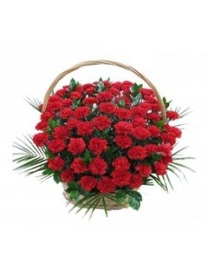 Корзина из живых цветов 1 (гвоздики)
